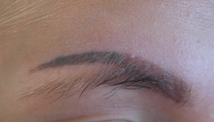 eyebrow tattoo oxidisation